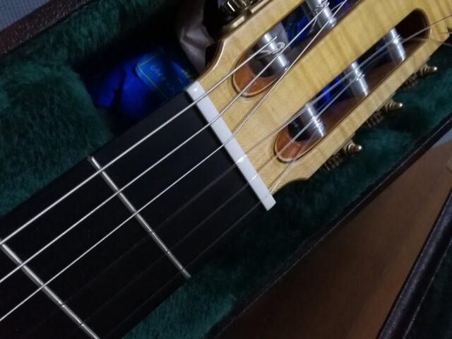 ドーガルのディアマンテを張ったギター