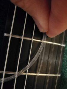オプティマ No.6 カーボン と サバレス ニュークリスタルの3弦比較