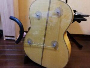 ギターリフト(GUITARLIFT)をつけて裏から見たところ