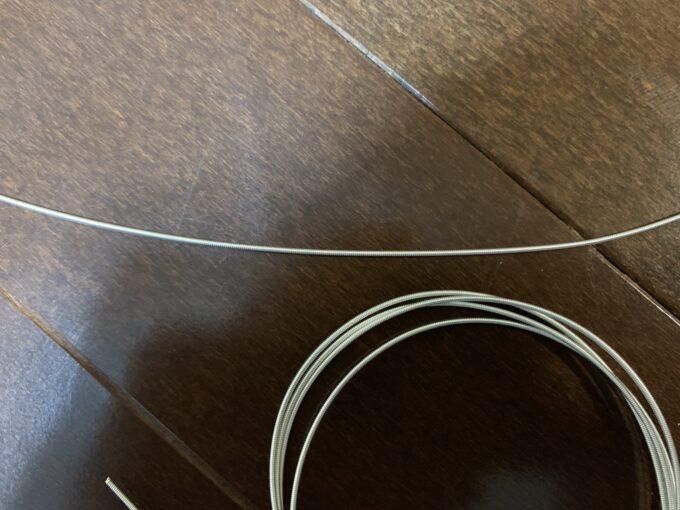 ディアマンテの6弦とサバレスプレミアムの6弦の比較