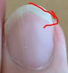 薬指の爪の形と弾く方向