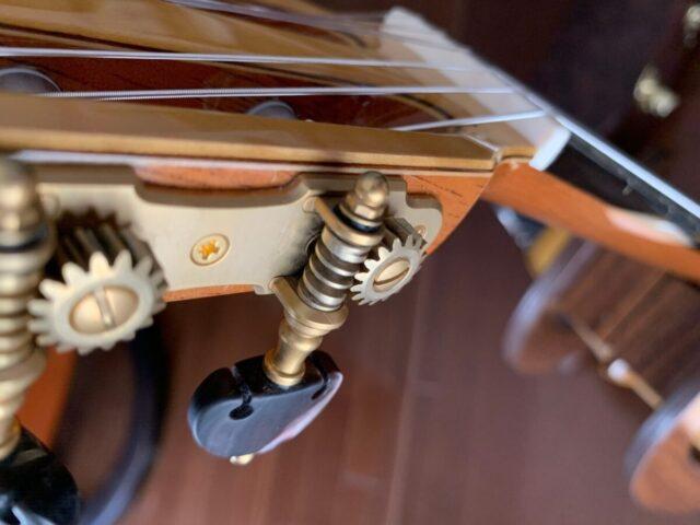 クラシックギターの糸巻