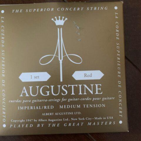オーガスチン インペリアル・レッドのクラシックギター用弦